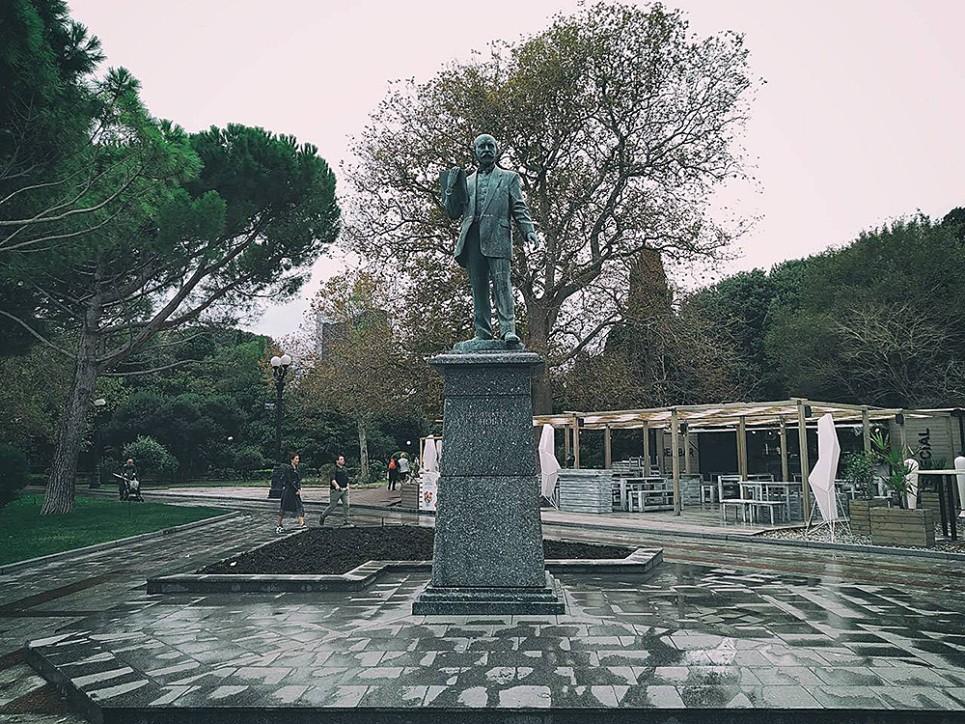 памятник Краснову